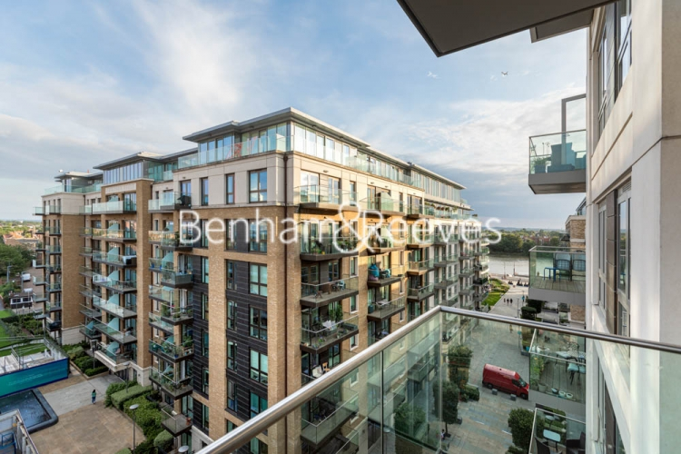 2 bedroom(s) flat to rent in Brunswick House, Fulham Reach, W6-image 5