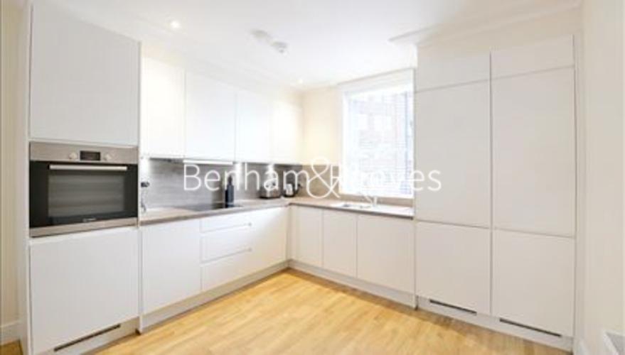 1 bedroom(s) flat to rent in Hamlet Gardens, Ravenscourt Park, W6-image 2