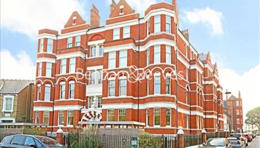 1 bedroom(s) flat to rent in Hamlet Gardens, Ravenscourt Park, W6-image 5