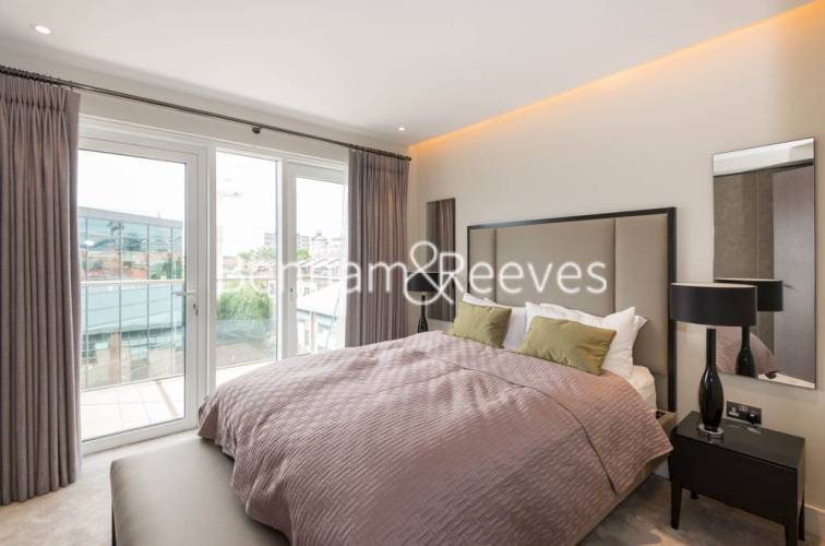 2 bedroom(s) flat to rent in Chancellor Road, Hammersmith, W6-image 3