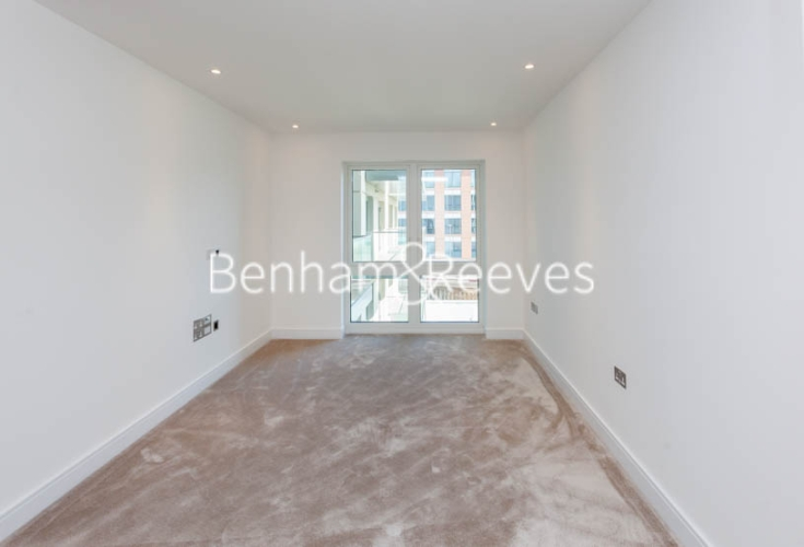 2 bedroom(s) flat to rent in Faulkner house, Fulham Reach, W6-image 6
