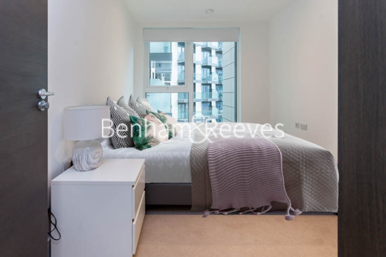 2 bedroom(s) flat to rent in Sovereign Court, Hammersmith, W6-image 9
