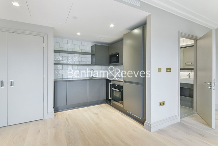 Studio flat to rent in Queens Wharf, Hammersmith, W6-image 2