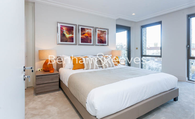 2 bedroom(s) flat to rent in Queens Wharf, Hammersmith, W6-image 4