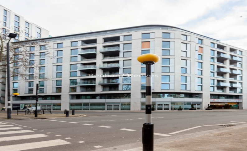 2 bedroom(s) flat to rent in Sovereign Court, Fulham, W6-image 17
