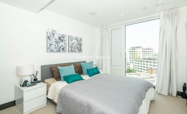 2 bedroom(s) flat to rent in Sovereign Court, Hammersmith, W6-image 4