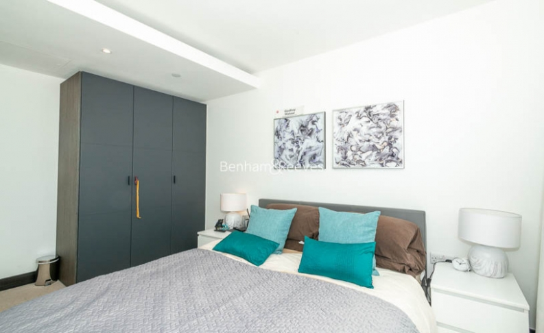 2 bedroom(s) flat to rent in Sovereign Court, Hammersmith, W6-image 5