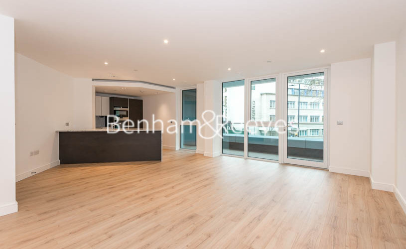 2 bedroom(s) flat to rent in Lancaster House, Sovereign Court, Hammersmith, W6-image 1