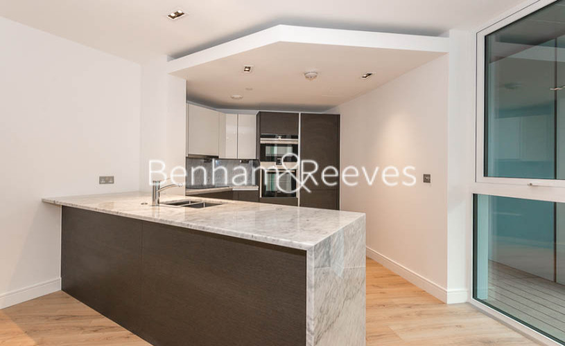 2 bedroom(s) flat to rent in Lancaster House, Sovereign Court, Hammersmith, W6-image 2