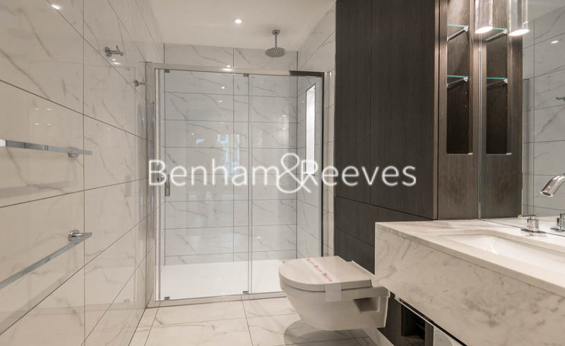 2 bedroom(s) flat to rent in Lancaster House, Sovereign Court, Hammersmith, W6-image 4