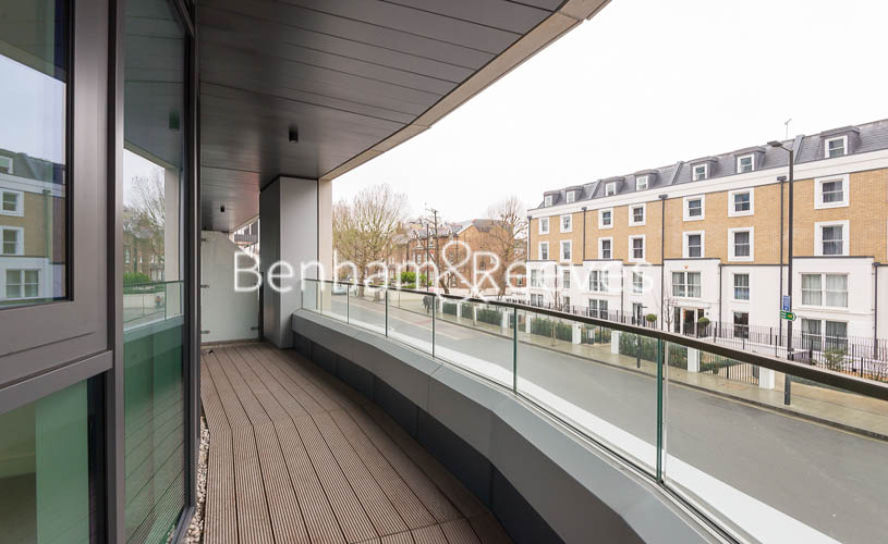 2 bedroom(s) flat to rent in Lancaster House, Sovereign Court, Hammersmith, W6-image 5