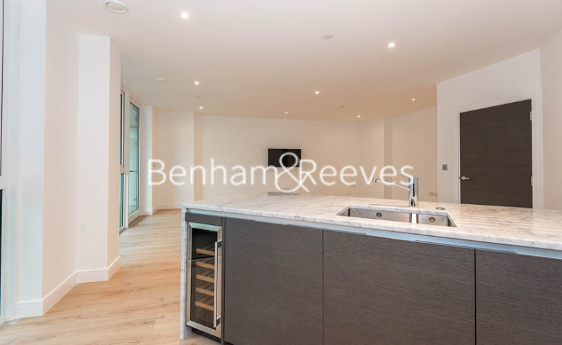 2 bedroom(s) flat to rent in Lancaster House, Sovereign Court, Hammersmith, W6-image 16
