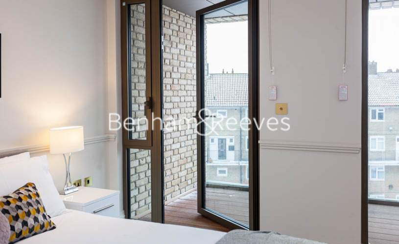 1 bedroom(s) flat to rent in Queens Wharf, Hammersmith, W6-image 16