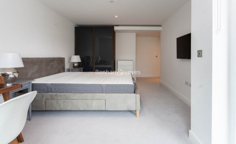 2 bedroom(s) flat to rent in Sovereign Court, Hammersmith, W6-image 7