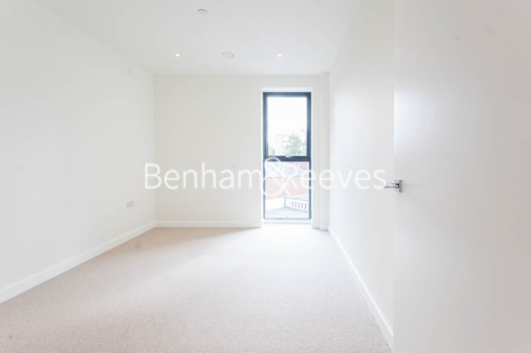 2 bedroom(s) flat to rent in Cambium, Southfields, SW19-image 3