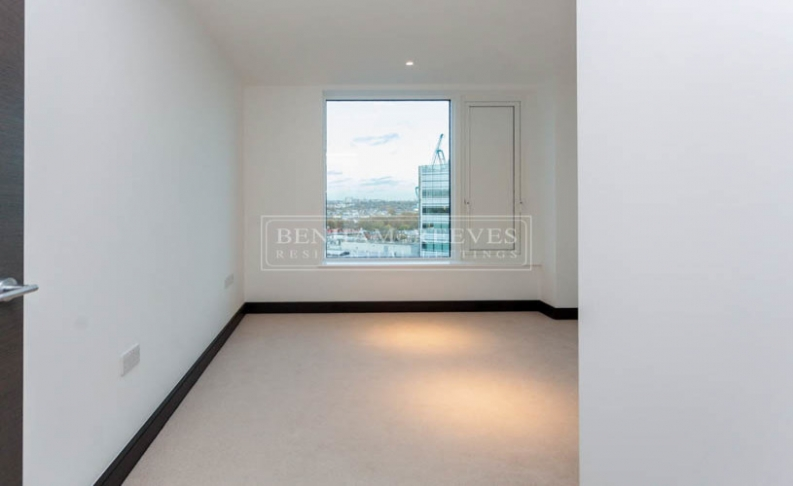 3 bedroom(s) flat to rent in Sovereign Court, Hammersmith, W6-image 10