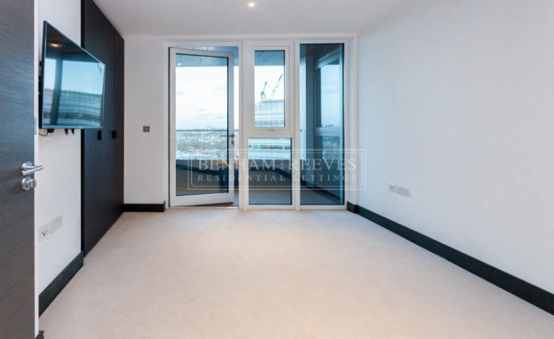3 bedroom(s) flat to rent in Sovereign Court, Hammersmith, W6-image 12