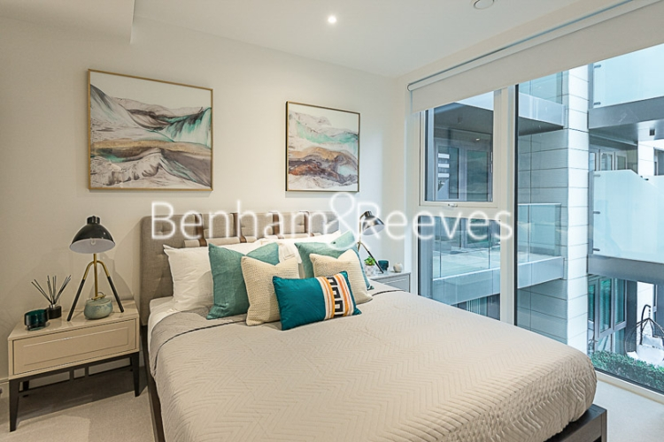 2 bedroom(s) flat to rent in Sovereign Court, Hammersmith, W6-image 3