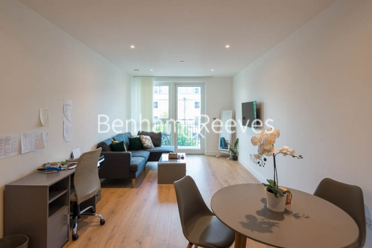 1 bedroom(s) flat to rent in Sovereign Court, Hammersmith, W6-image 6