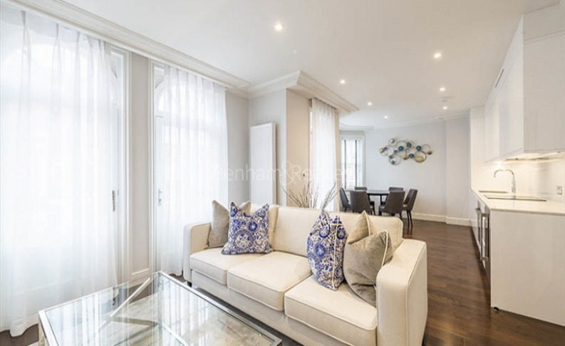 3 bedroom(s) flat to rent in Hamlet Gardens, Hammersmith, W6-image 1