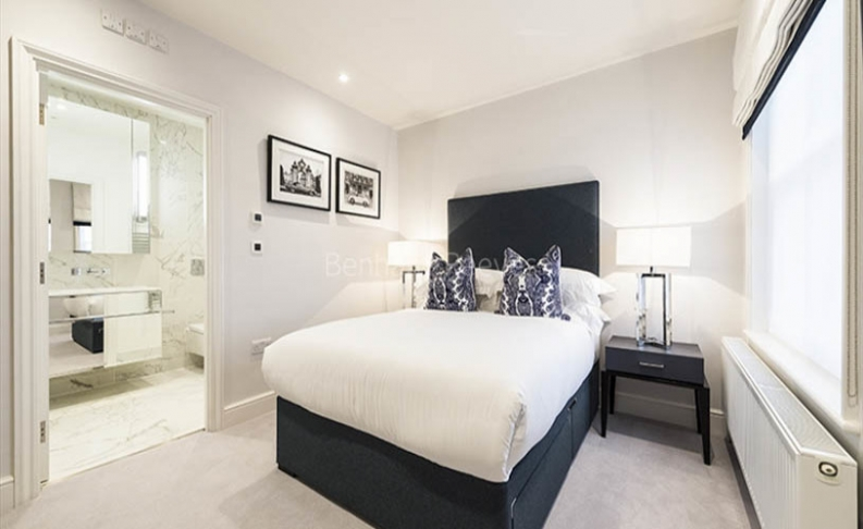 3 bedroom(s) flat to rent in Hamlet Gardens, Hammersmith, W6-image 4