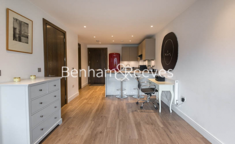 1 bedroom(s) flat to rent in Fulham Reach, Hammersmith, W6-image 3
