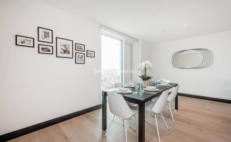 3 bedroom(s) flat to rent in Sovereign Court, Hammersmith, W6-image 3