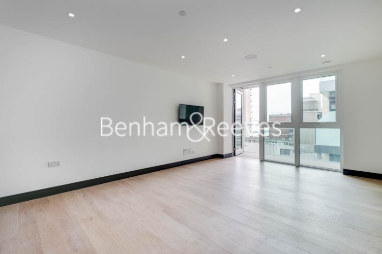 5 bedroom(s) flat to rent in Sovereign Court, Hammersmith, W6-image 1