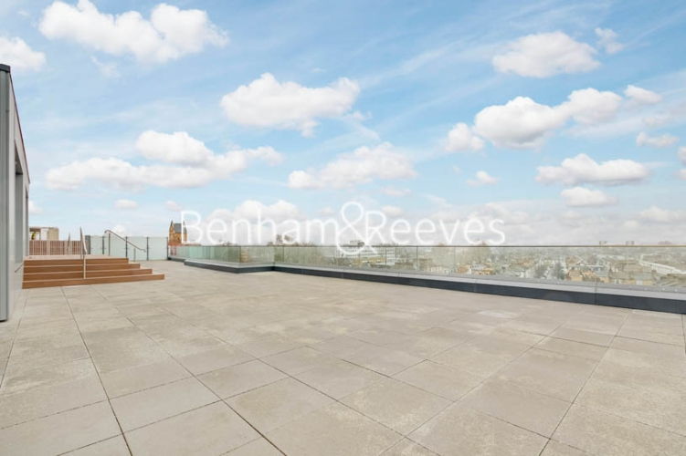 5 bedroom(s) flat to rent in Sovereign Court, Hammersmith, W6-image 10