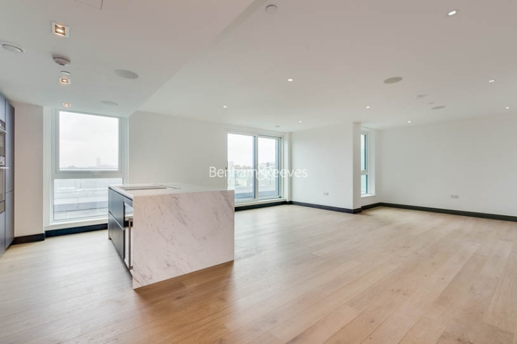 3 bedroom(s) flat to rent in Sovereign Court, Hammersmith, W6-image 1