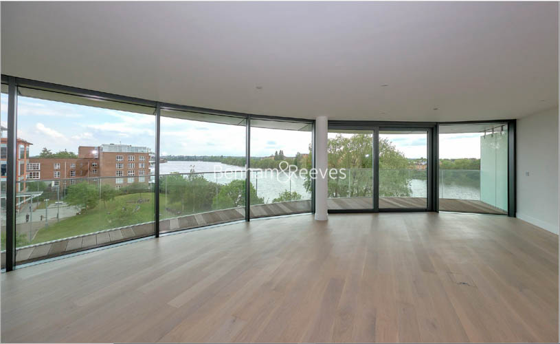 3 bedroom(s) flat to rent in Hamilton House, Fulham Reach, W6-image 1