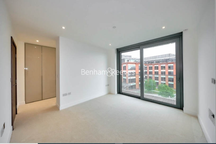 3 bedroom(s) flat to rent in Hamilton House, Fulham Reach, W6-image 17