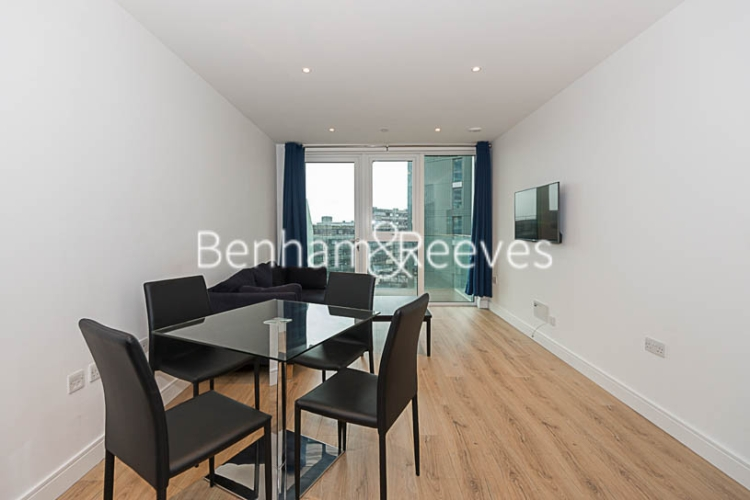 1 bedroom(s) flat to rent in Sovereign Court, Hammersmith, W6-image 3