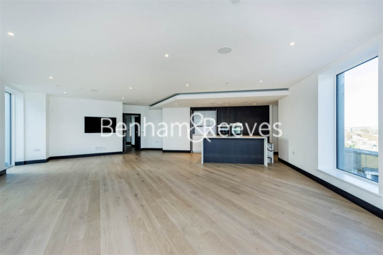 3 bedroom(s) flat to rent in Sovereign Court, Hammermsith, W6-image 11