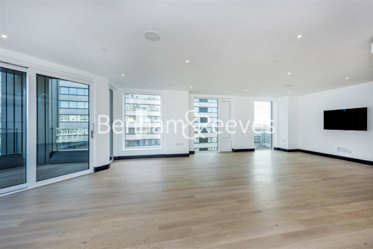 3 bedroom(s) flat to rent in Sovereign Court, Hammermsith, W6-image 12
