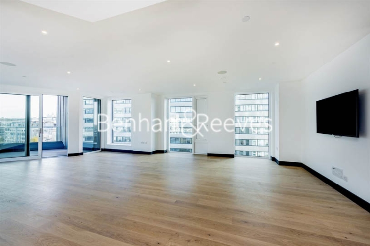 3 bedroom(s) flat to rent in Sovereign Court, Hammermsith, W6-image 13