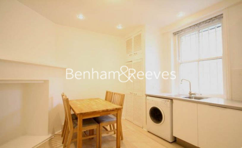 1 bedroom(s) flat to rent in Kingsley Mansions, Greyhound Road, W14-image 2
