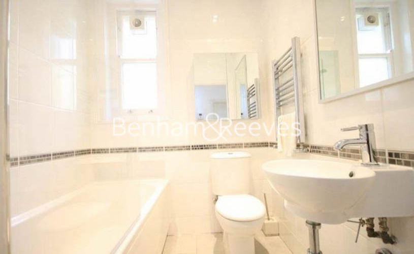 1 bedroom(s) flat to rent in Kingsley Mansions, Greyhound Road, W14-image 4