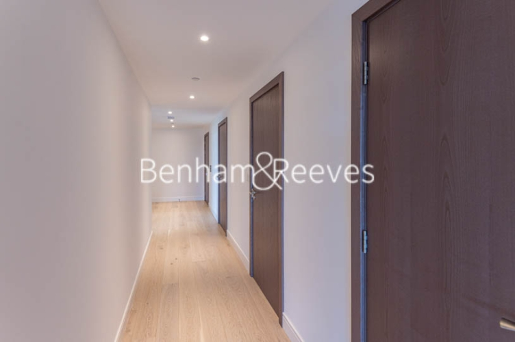 3 bedroom(s) flat to rent in Parr's Way, Hammersmith, W6-image 8
