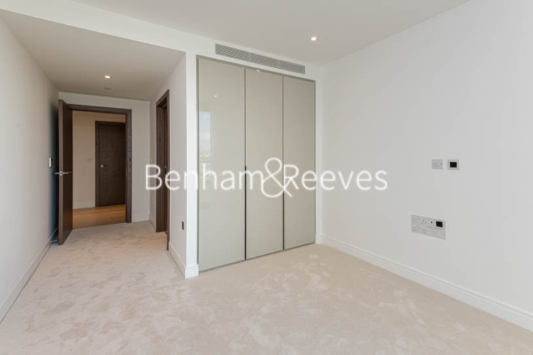 3 bedroom(s) flat to rent in Parr's Way, Hammersmith, W6-image 16