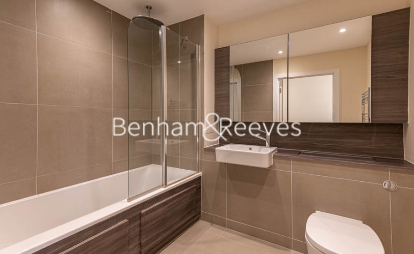 Studio flat to rent in King Street, Hammersmith , W6-image 4