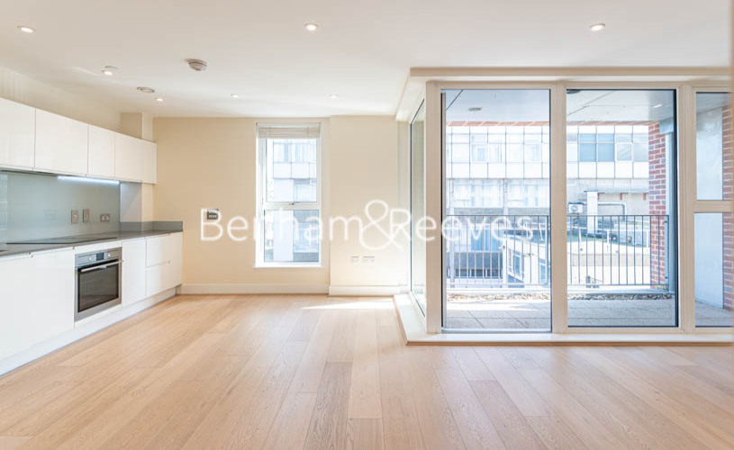 Studio flat to rent in King Street, Hammersmith , W6-image 8