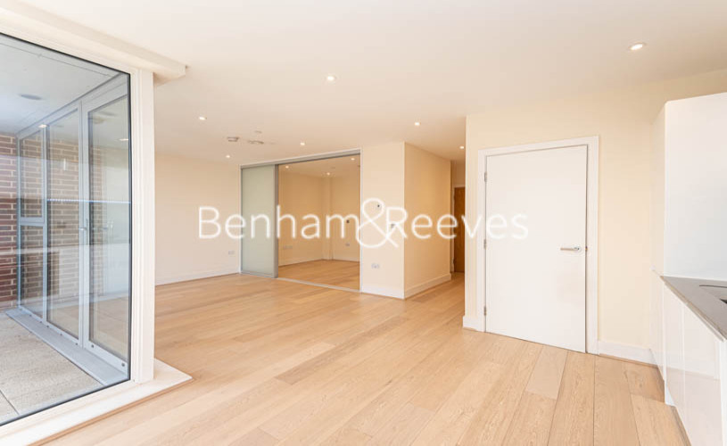 Studio flat to rent in King Street, Hammersmith , W6-image 9
