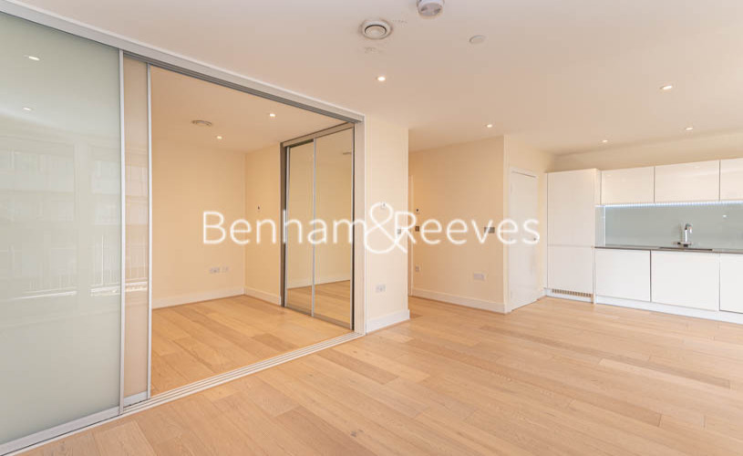 Studio flat to rent in King Street, Hammersmith , W6-image 11