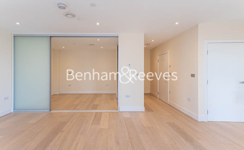 Studio flat to rent in King Street, Hammersmith , W6-image 12
