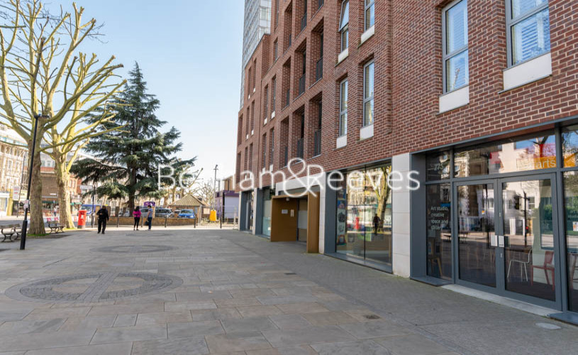 Studio flat to rent in King Street, Hammersmith , W6-image 13