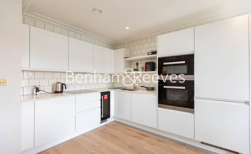 1 bedroom(s) flat to rent in Queens Wharf, Hammermsith, W6-image 2