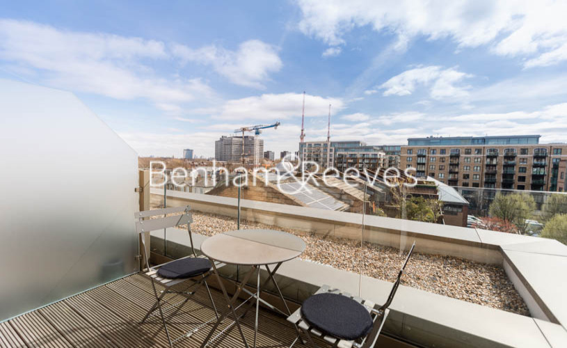 1 bedroom(s) flat to rent in Queens Wharf, Hammermsith, W6-image 5