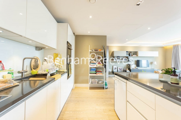 2 bedroom(s) flat to rent in Distillery Wharf, Hammersmith, W6-image 8