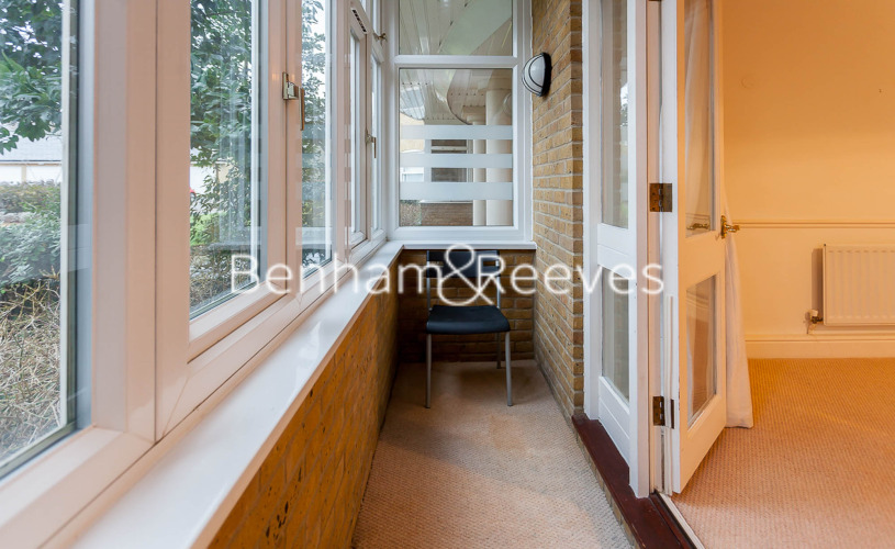 2 bedroom(s) flat to rent in Trinity Church Road, Barnes, SW13-image 5